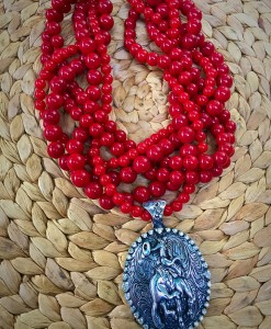 Twist bucking bronco Concho Necklace ( Red )