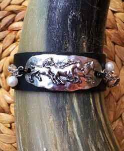 Triple Horse Plaque Leather Bracelet