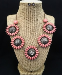 Daisy Rose Pink Necklace Set