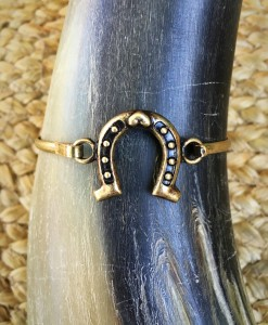 Horseshoe Bangle ( Gold )