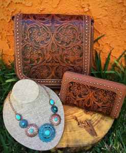 TRINITY RANCH HANDBAG SET