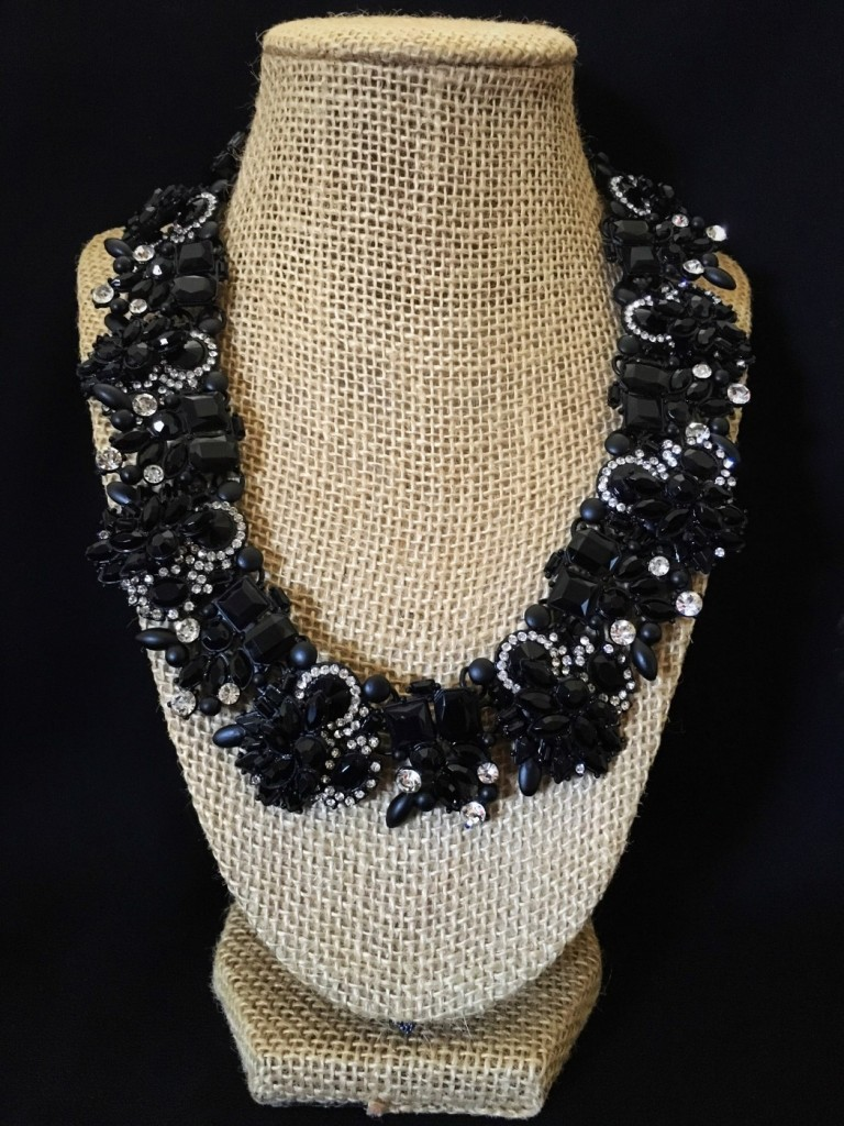 MIX CRYSTAL STATEMENT NECKLACE