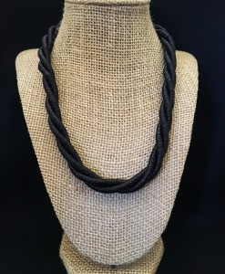 Twist Necklace ( Black )