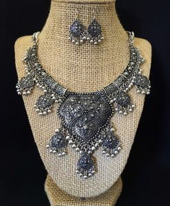 """ Andrea "" Antique Silver Necklace Set"