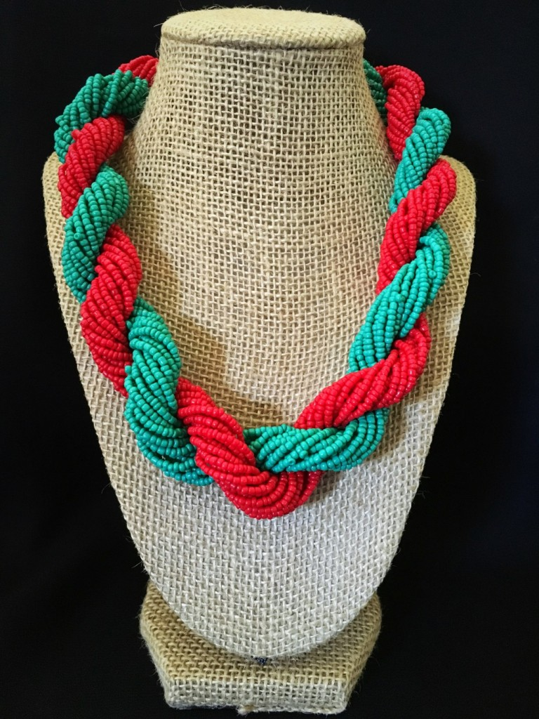 TWIST SEED BEAD NECKLACE
