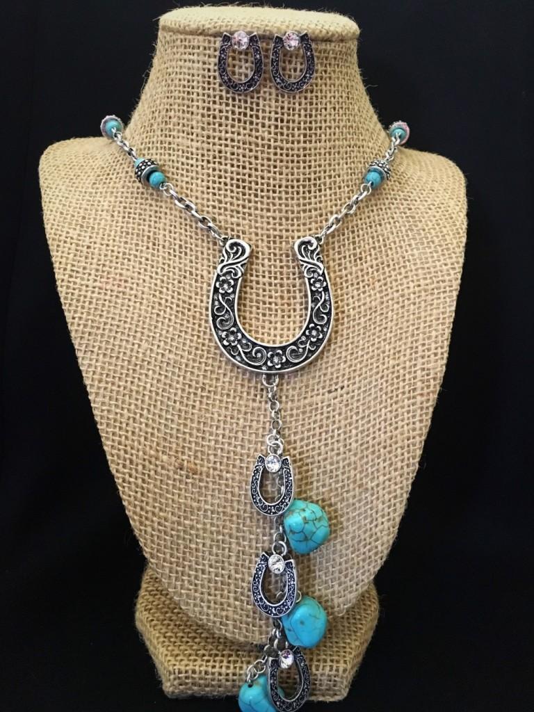 Horseshoe Necklace Set