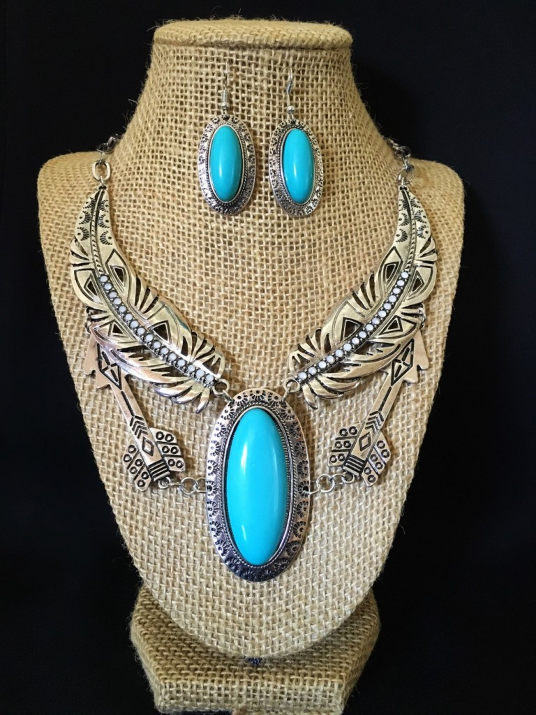 Feather & Arrow Necklace Set