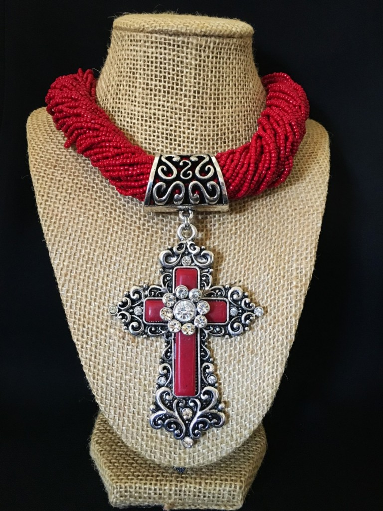 CHUNKY SEED BEAD & CROSS PENDANT NECKLACE