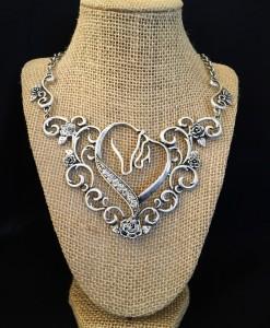 horses necklace set