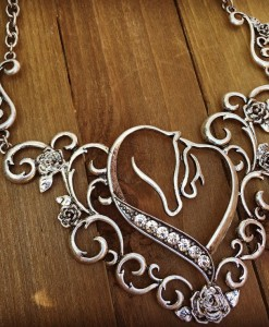 DIAMOND HORSES & ROSE NECKLACE SET