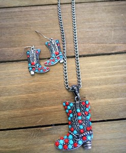 boot necklace set