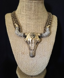 BULL SKULL NECKLACE SET
