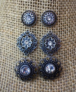 ANASTASIA FLOWER STUD SET EARRINGS
