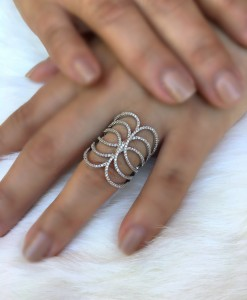 CRIS CROSS RING