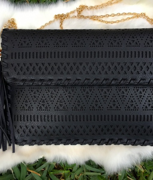 CUT OUT CLUTCH CROSSBODY