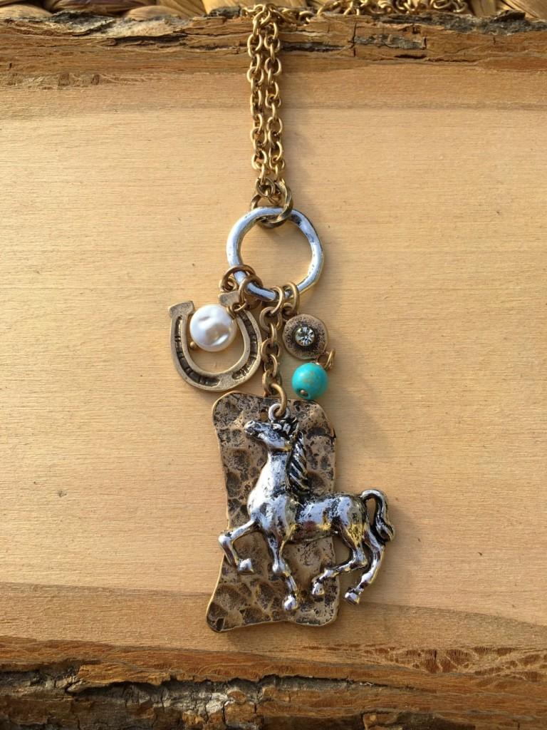 horse necklace set