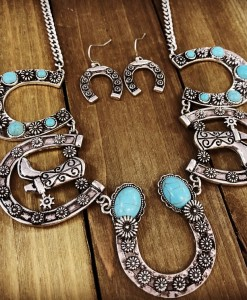 """ COUTRY STYLE "" Turquoise & Silver Boot on a Horseshoe Necklace Set"