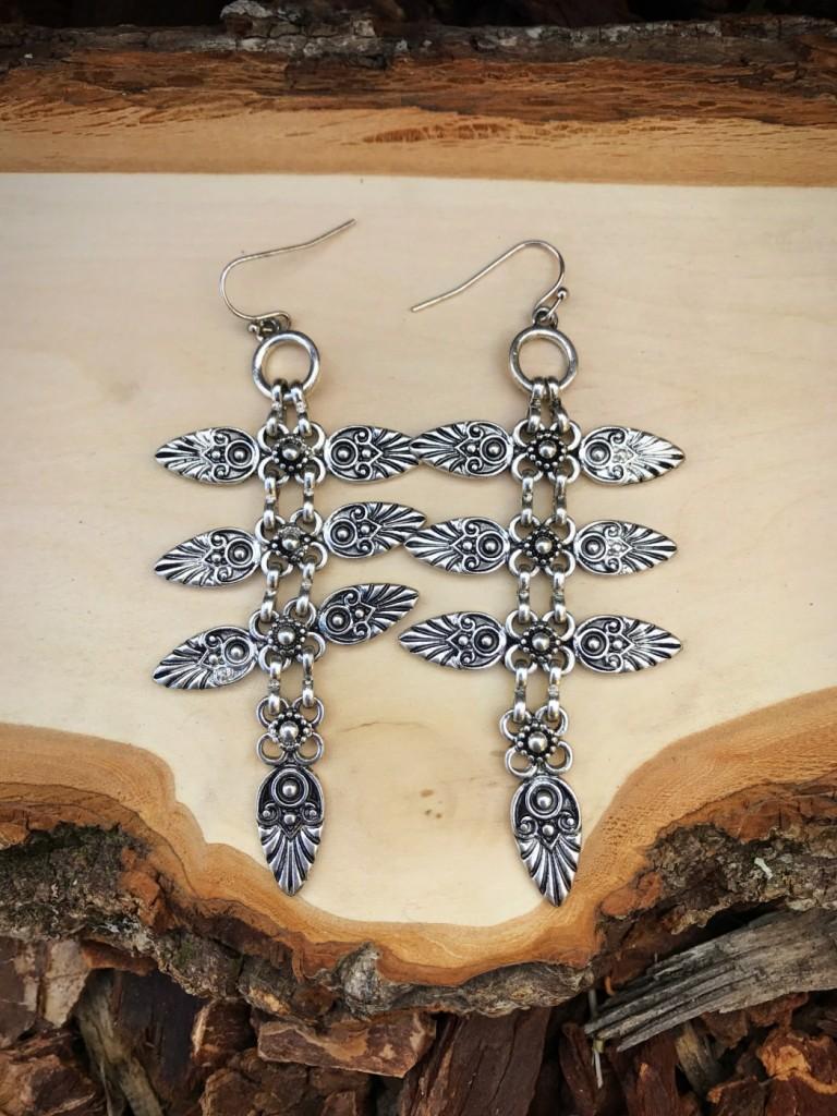""""""" Fly """" Embossed Earrings ( Silver )"""