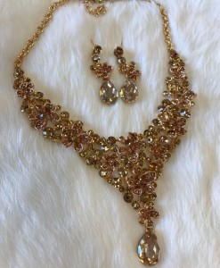 """ Christine "" Crystal Stament Necklace Set"