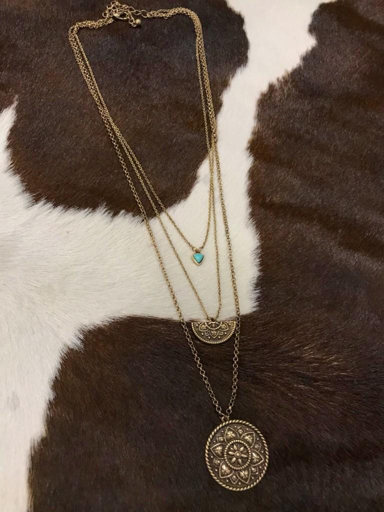 """ Dakota "" Layered Necklace ( Antique Gold )"
