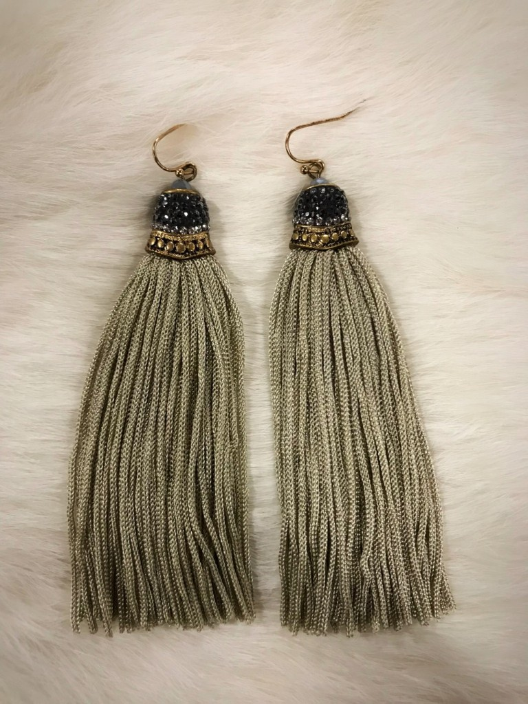 """ Susan "" Tassel Earrings ( Light Grey )"