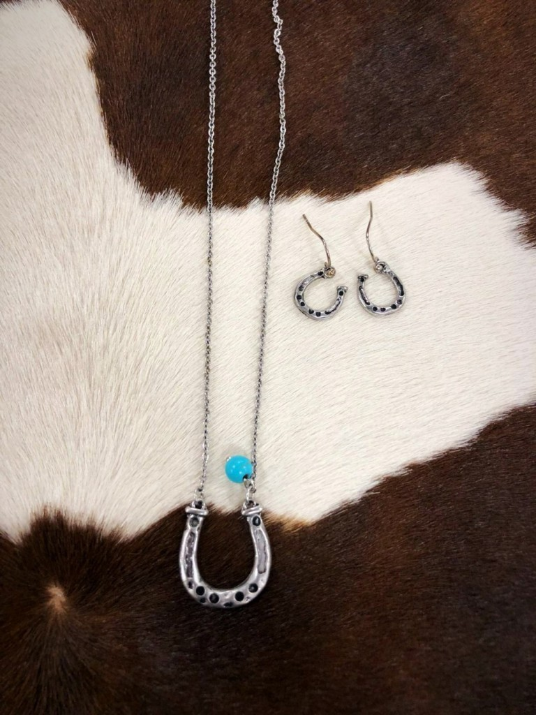 Horseshoe & Turquoise Drop Necklace Set
