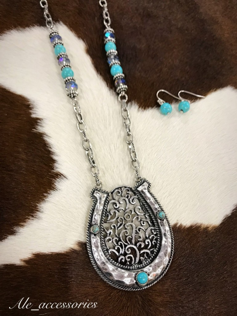 Turquoise & Silver Cut Out Horseshoe Necklace