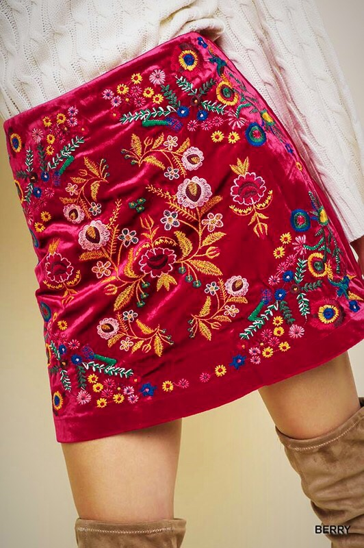 embroidery velvet skirt