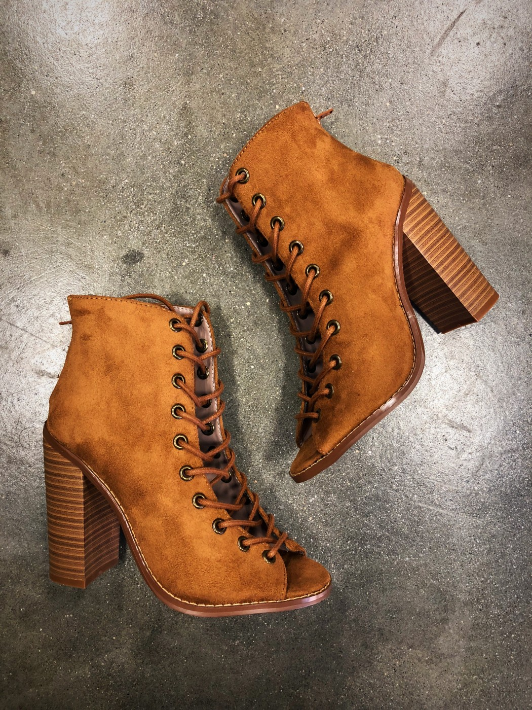 Women's Lace Up Chunky Booties ( Cognac
