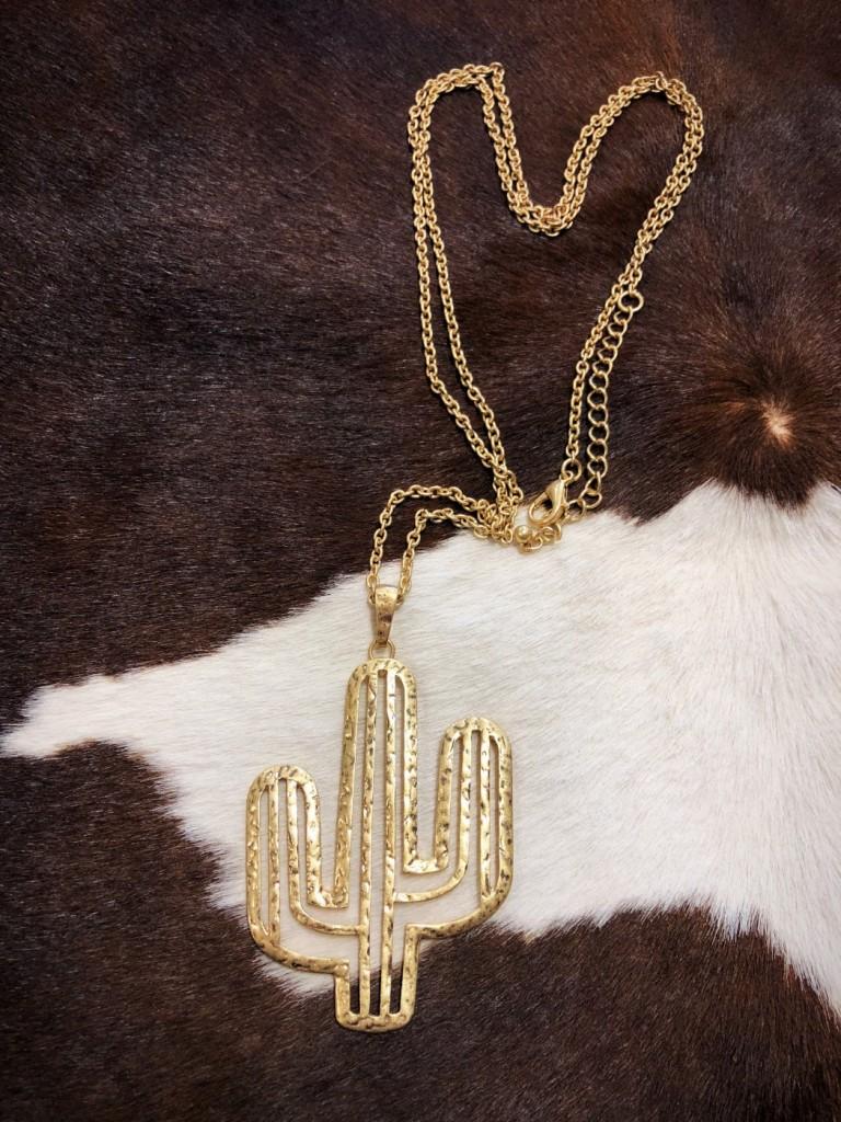 Cut Out Cactus Necklace ( Long Fit / Gold )