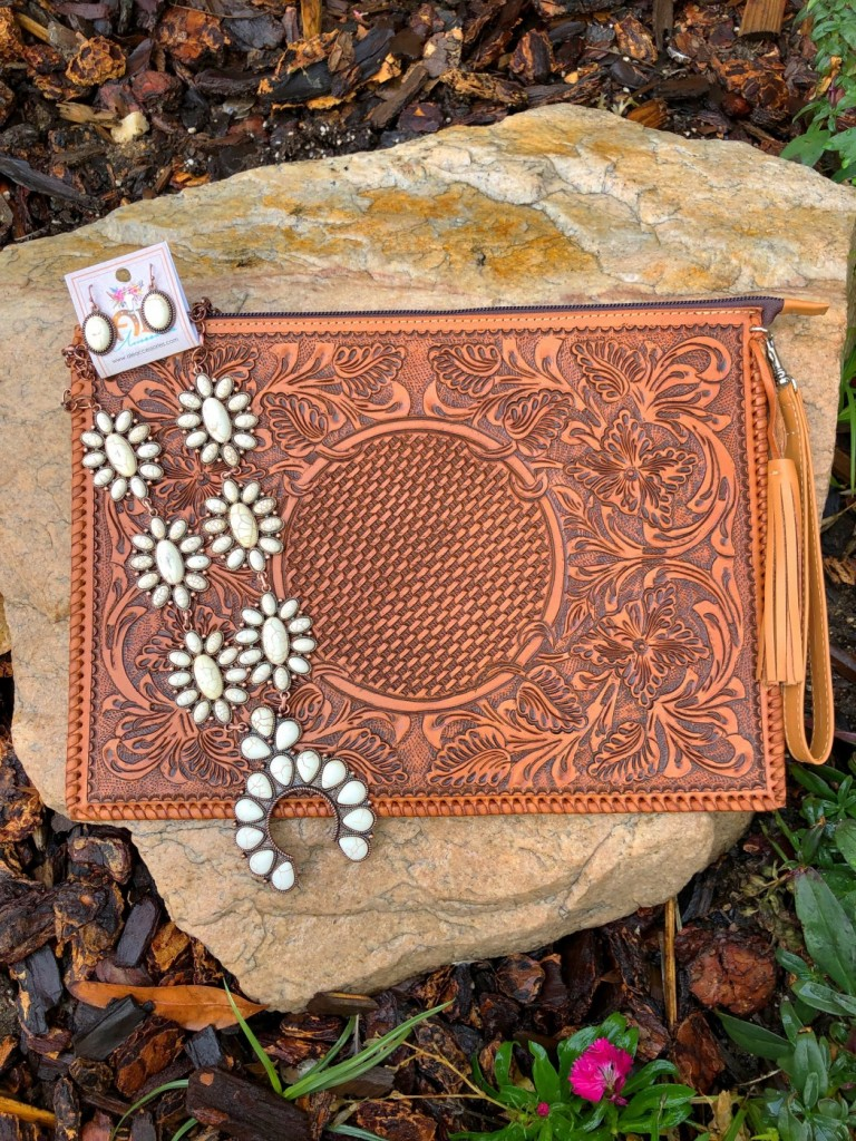TOOLED POUCH