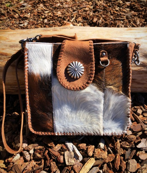 della cowhide purse