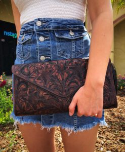 TOOLED CLUTCH