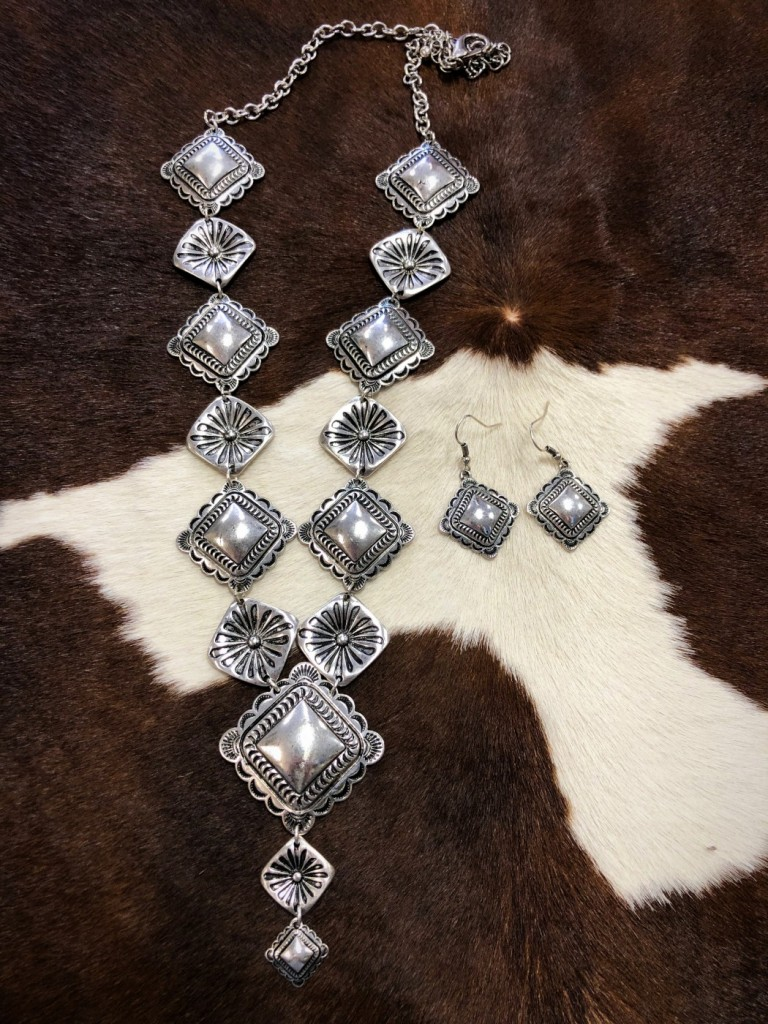 WESTERN CONCHO NECKLACE SET