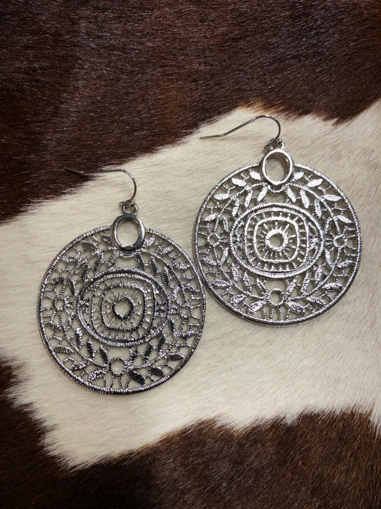 """ Kim "" Round Cut Out Detail Earrings ( Silver )"
