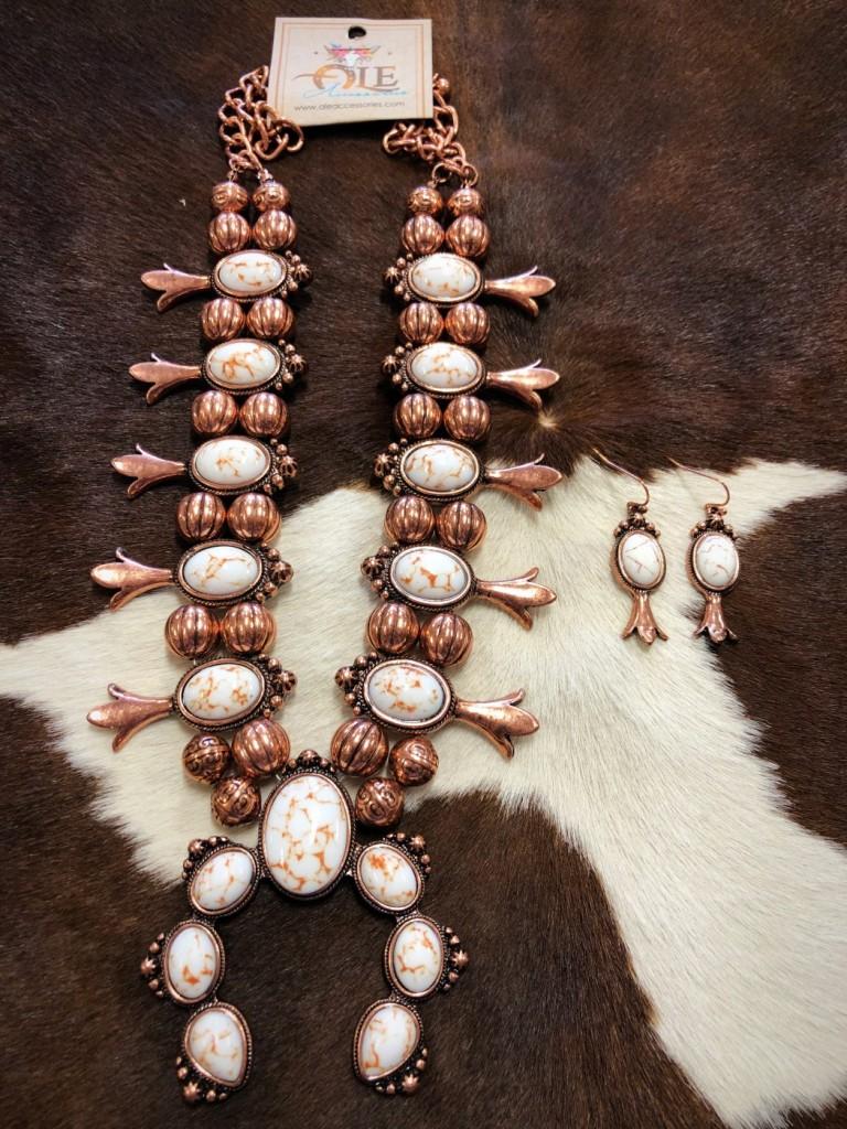 """ Michelle "" Western Squash Blossom Necklace Set ( White )"
