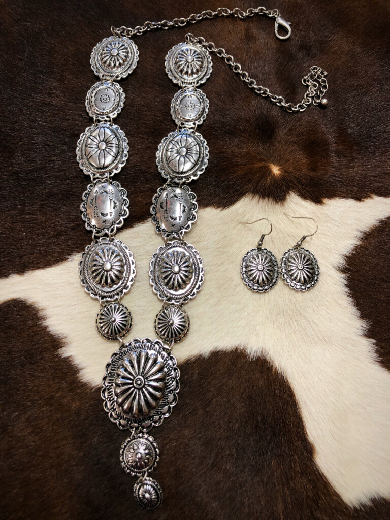 WESTERN CONCHO NECKLACE