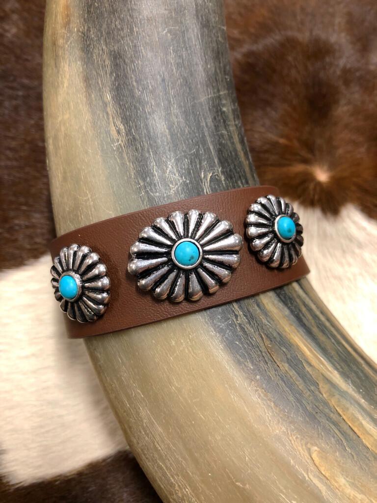 Western Triple Concho Faux Leather Bracelet ( Brown )