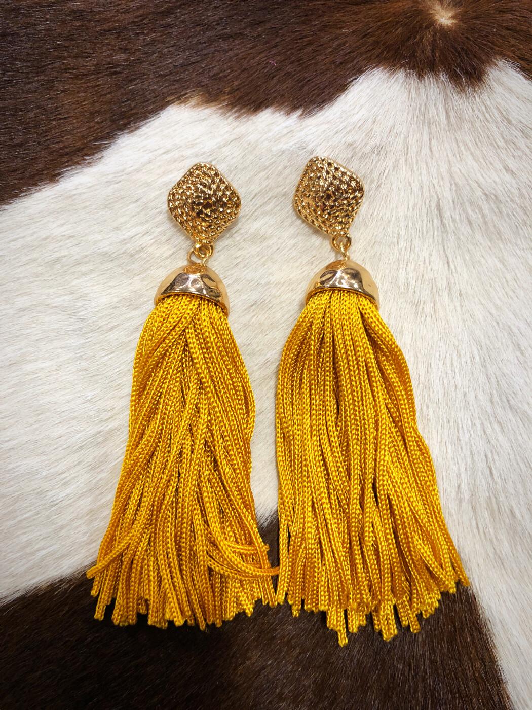 Janet  Tassel Earrings ( Nude ) | Ale Accessories